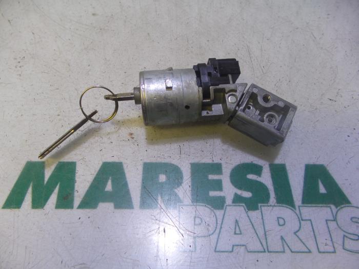 Used Peugeot 207 CC (WB) 1 6 16V Ignition lock + key