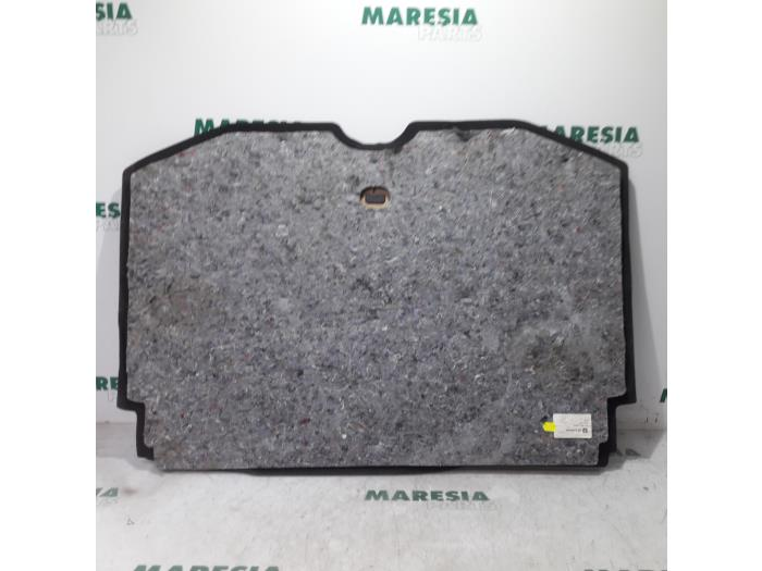 Usage Citroen C3 Picasso Coffre Tapis 96815690zd Maresia Parts