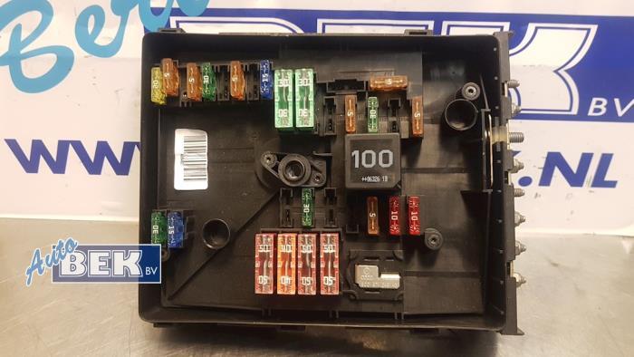 audi a 3 fuse box used audi a3  8p1  1 9 tdi fuse box 1k0937132f  used audi a3  8p1  1 9 tdi fuse box