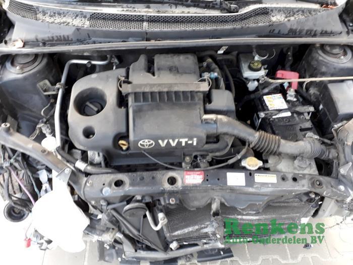 Silnik z Toyota Yaris (P1) 1.3 16V VVT-i 2004