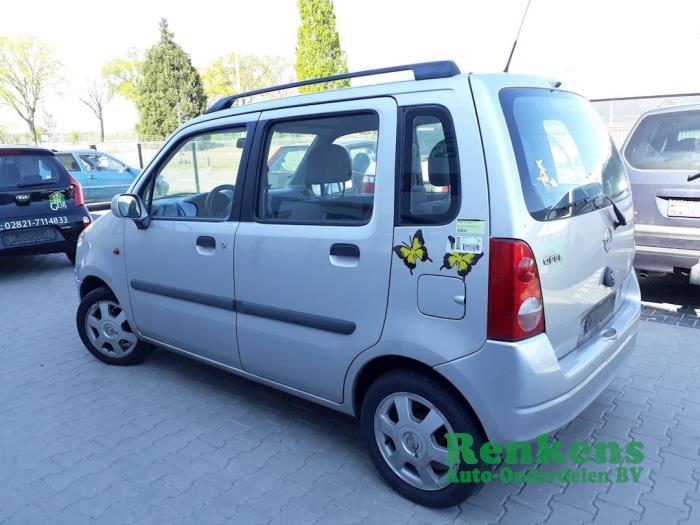 Rear door 4-door, left from a Opel Agila (A) 1.2 16V 2000