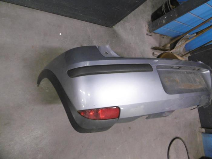 Pare-chocs arrière d'un Opel Corsa C (F08/68) 1.2 16V 2004