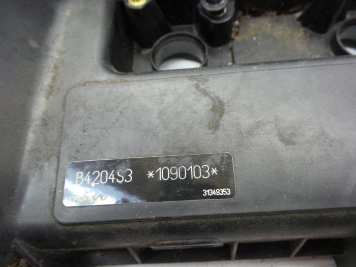 Tapa de válvulas de un Volvo S40 (MS) 2.0 16V 2012