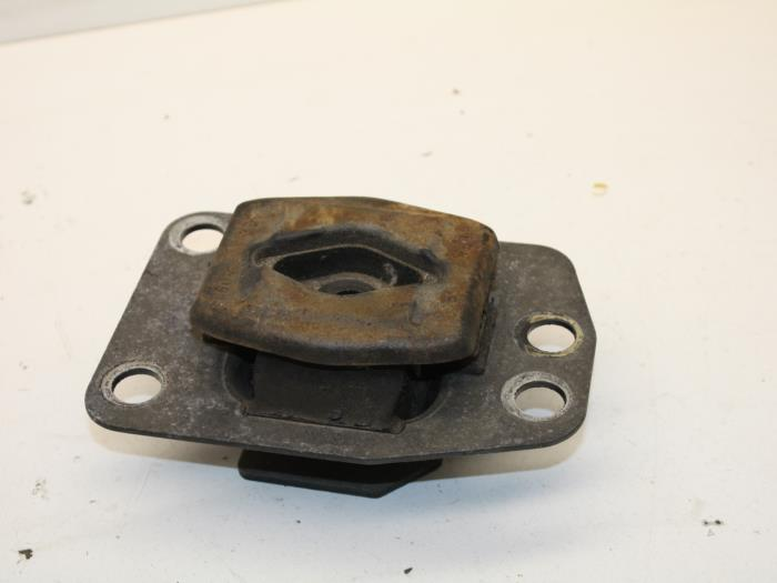 Used Saab 9-5 Gearbox rubber - 5063714 FA57A02 - Auto