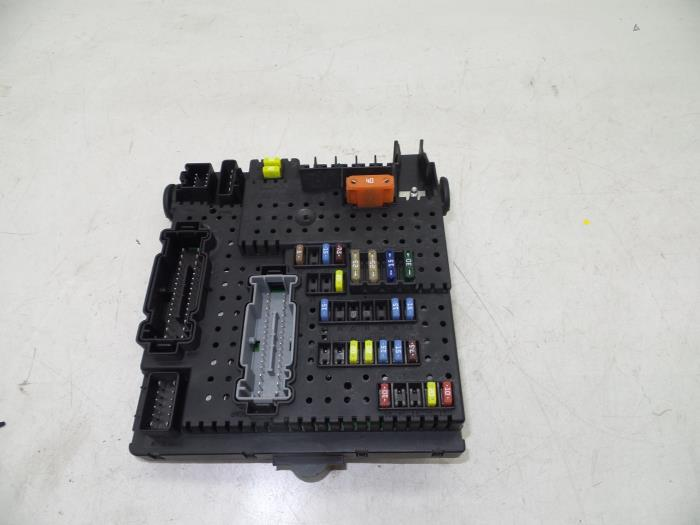 Used Volvo S60 I (RS/HV) 2.4 D5 20V Fuse box - 28017881 - Auto ... on