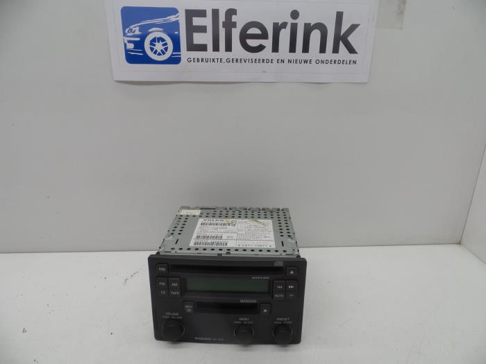 Used Volvo V40 (VW) 1 9 D Radio CD player - 30623403 - Auto