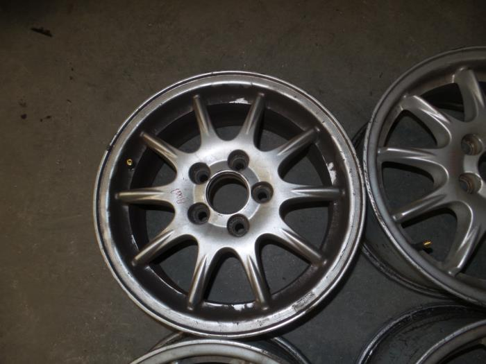 Used Volvo V70 Sw 24 20v 140 Set Of Wheels 9485093
