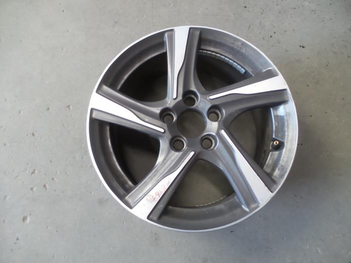 Used Volvo V40 Mv 20 D2 16v Wheel 31423322 Alloy Auto