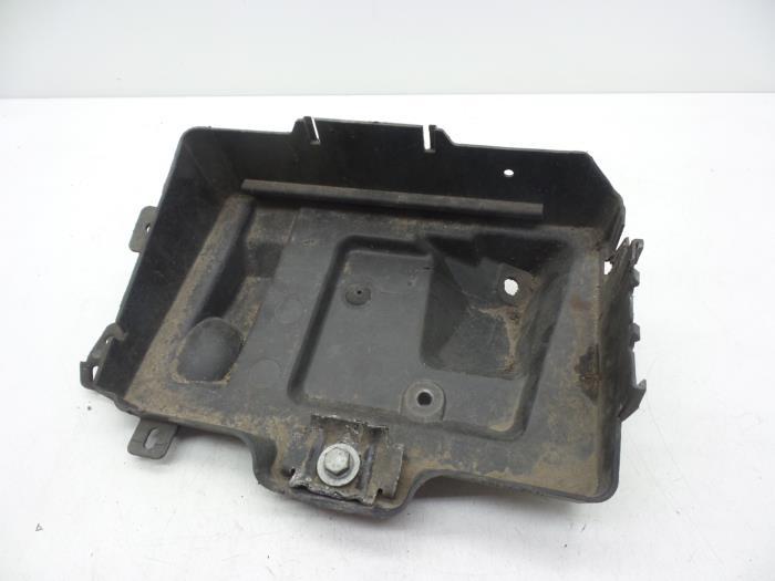 usagé opel zafira (m75) 1.9 cdti boîtier de batterie - 13110827