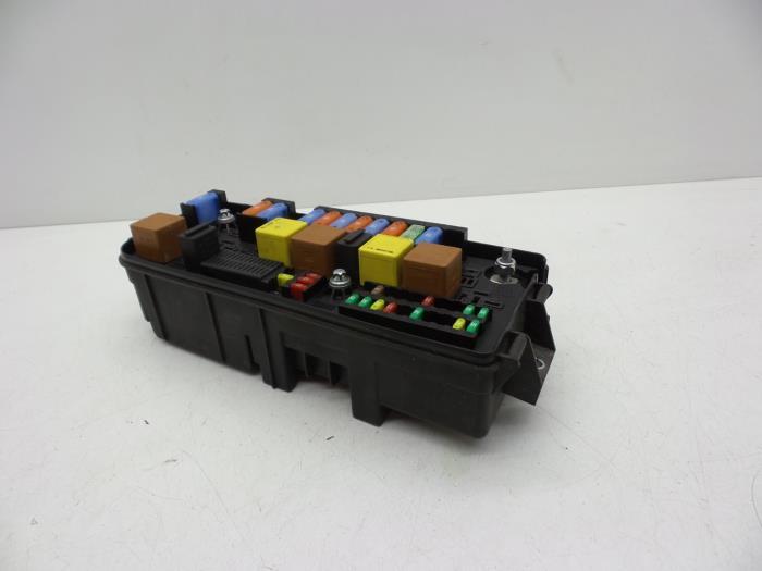 fuse box from a saab 9-3 sport estate (ys3f) 2 0t 16v