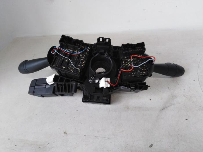 Steering column stalk from a Renault Twingo 2015
