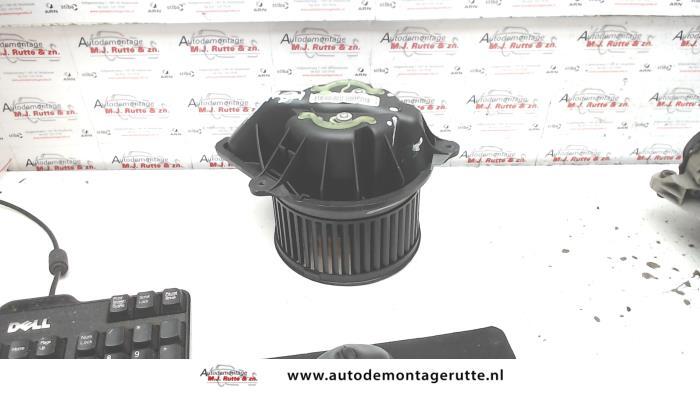 Heizung Belüftungsmotor van een Renault Scénic I (JA) 1.6 16V 2001