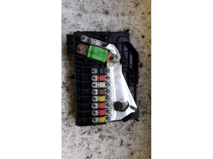 fuse box from a ford c-max (dxa) 2 0 tdci 16v 2013