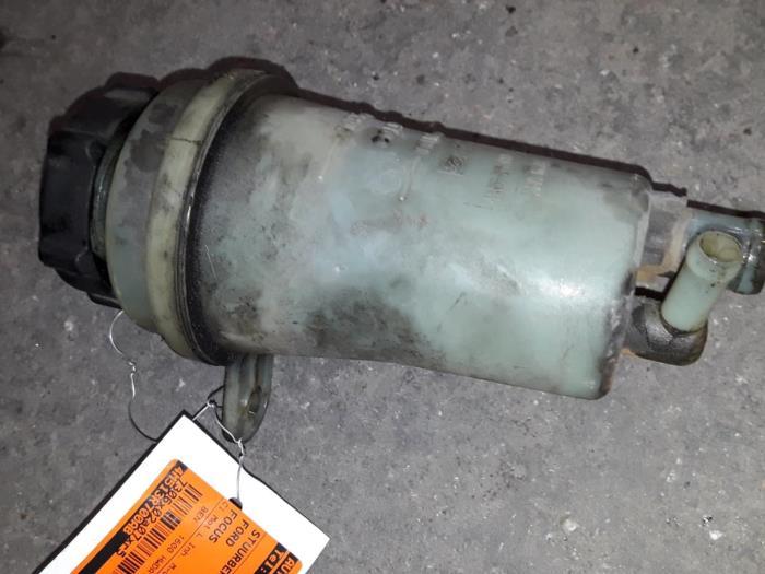 Used Ford Focus II 1 6 16V Power steering fluid reservoir