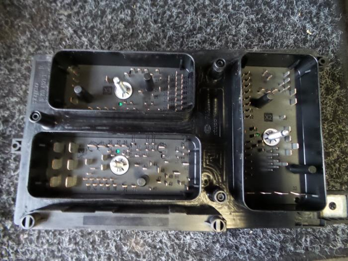 Used Opel Astra H (L48) 1.6 16V Twinport Fuse box ... Vauxhall Astra Fuse Box Numbers on