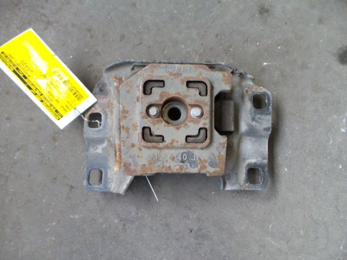 Used Ford Focus Ii 1 8 Tdci 16v Gearbox Mount 6m5r7002zb
