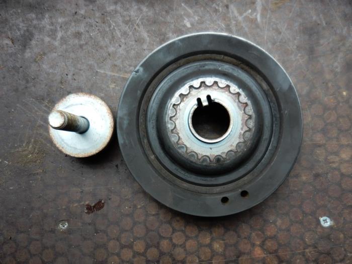 Used Renault Laguna I Grandtour (K56) 1 6 16V Crankshaft pulley