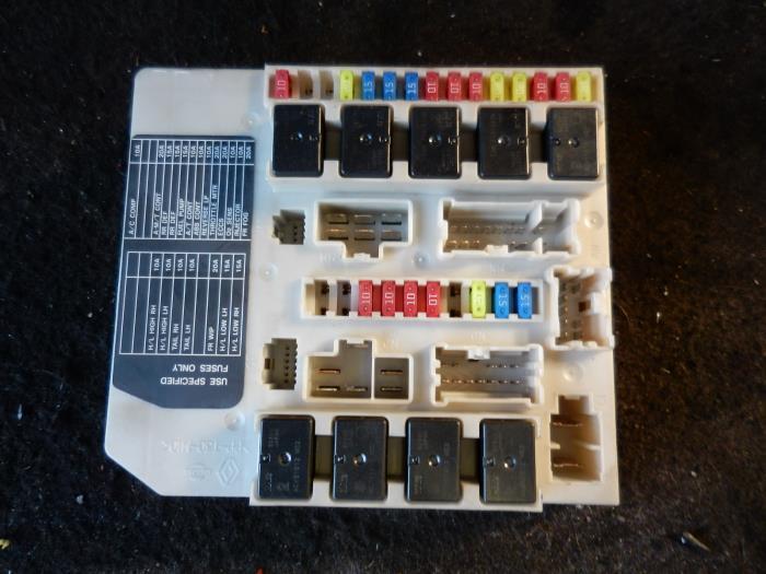 gebrauchte nissan micra (k12) 1.2 16v sicherungskasten