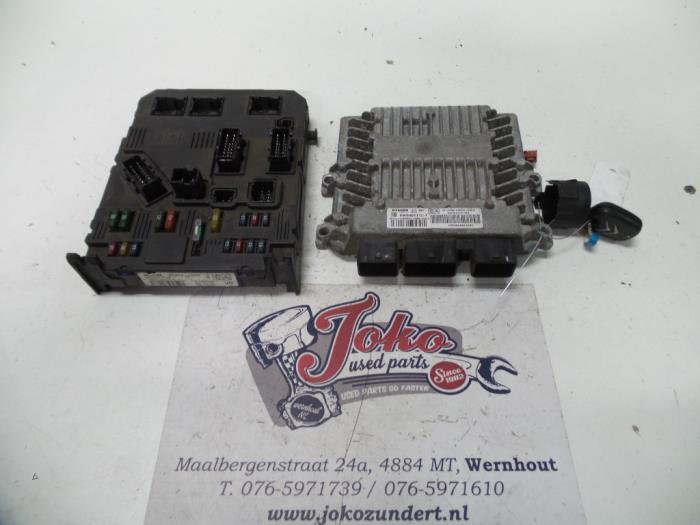 Used Citroen C2 (JM) 1.4 HDI Fuse box - 9650585680 ... on