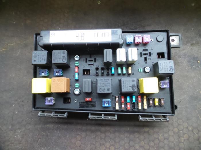 Used Opel Astra H Gtc  L08  1 3 Cdti 16v Ecotec Fuse Box