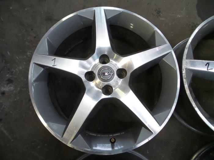Used Opel Tigra Twin Top 13 Cdti 16v Set Of Wheels