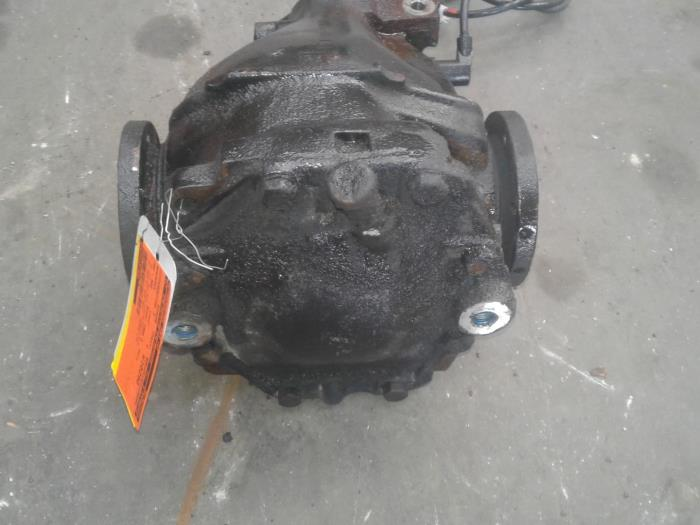 Used Mercedes E diesel (W124) 3 0 300 D Turbo Rear differential