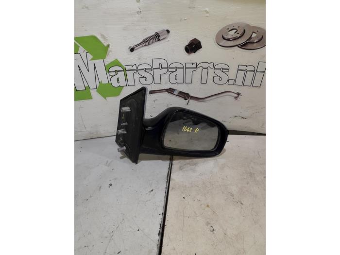 Wing mirror, right from a Hyundai Matrix 1.6 16V 2006