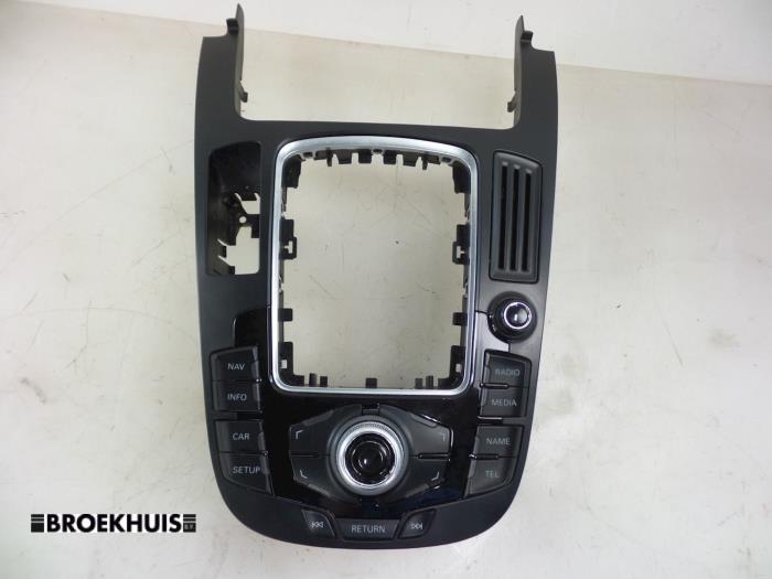 Przelacznik interfejsu czlowiek-maszyna z Audi A5 Sportback (B8H/S) 2.7 TDI V6 24V 2011