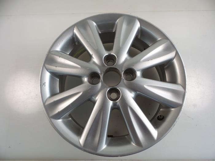 Used Toyota Yaris Ii P9 133 16v Dual Vvt I Wheel