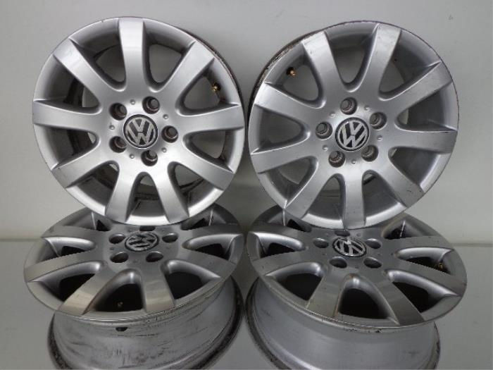Used Volkswagen Golf V 1k1 20 Fsi 16v Set Of Wheels