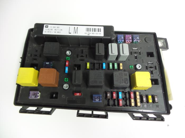 Used opel zafira m v fuse box
