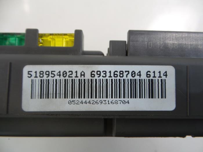 Used BMW X6 (E71/72) xDrive35d 3.0 24V Fuse box - 693168704 ...