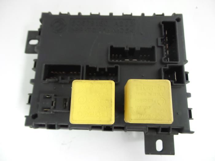 used alfa romeo 156 932 1 9 jtd fuse box 60679160 autobedrijf rh proxyparts com