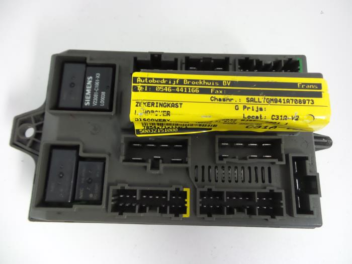 28a1a9fe b128 4464 ab1f 7de9bb08b5f4 used landrover discovery ii 2 5 td5 fuse box 518678503