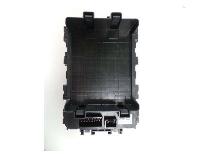 used suzuki celerio lf 1 0 12v fuse box 0095130501130075 fuse box from a suzuki santana celerio lf 1 0 12v 2016