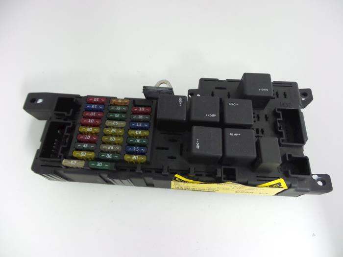 fuse box from a volvo s60 i (rs/hv) 2 4 d 20v 2004