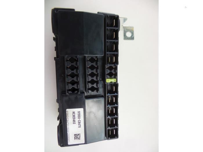 Used Hyundai i20 (GBB) 1 0 T-GDI 100 12V Fuse box