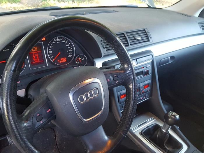 Used Audi A4 Avant (8ED) 2 0 TDI Dashboard - 8W1857001G