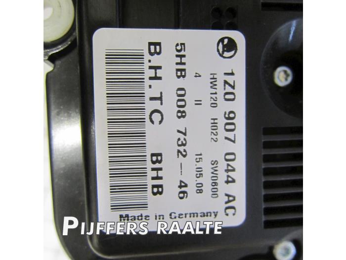 Used Skoda Octavia Combi (1Z5) 1 9 TDI Climatronic panel