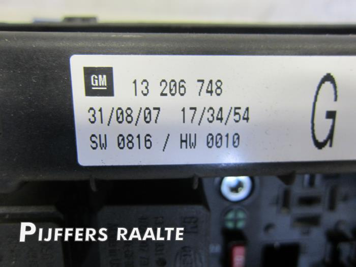 fuse box from a opel astra h sw (l35) 1 3 cdti 16v ecotec 2007