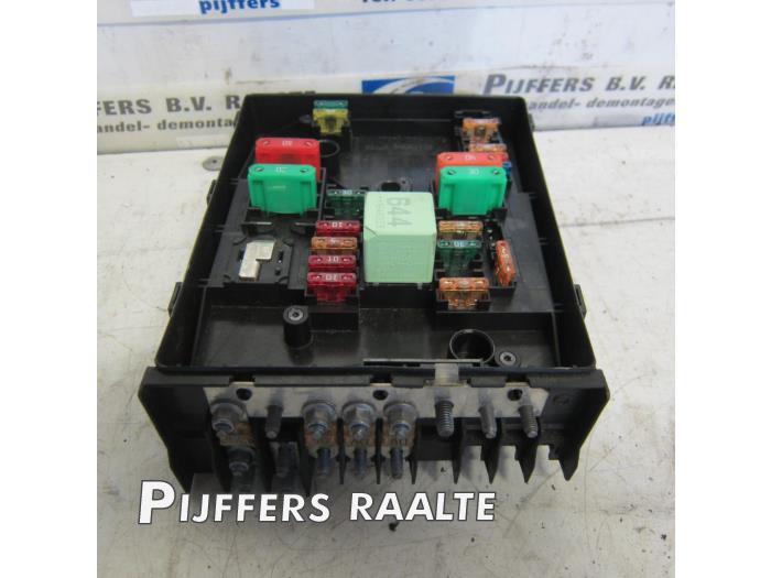 Used Volkswagen Caddy III (2KA,2KH,2CA,2CH) 1.9 TDI Fuse box - 1KO937800BG  - Pijffers B.V. Raalte | ProxyParts.comProxyParts.com