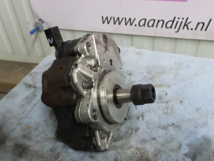 Used BMW 1-Serie Mechanical fuel pump - 7788670X1 M47204D4