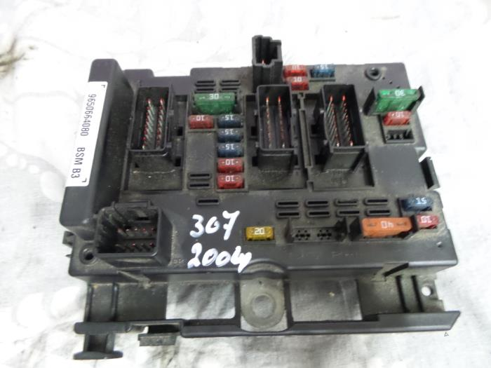 used peugeot 307 fuse box 9650664080 autodemontage. Black Bedroom Furniture Sets. Home Design Ideas