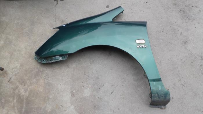 Used Toyota Corolla Verso (E12) 1 8 16V VVT-i Front wing