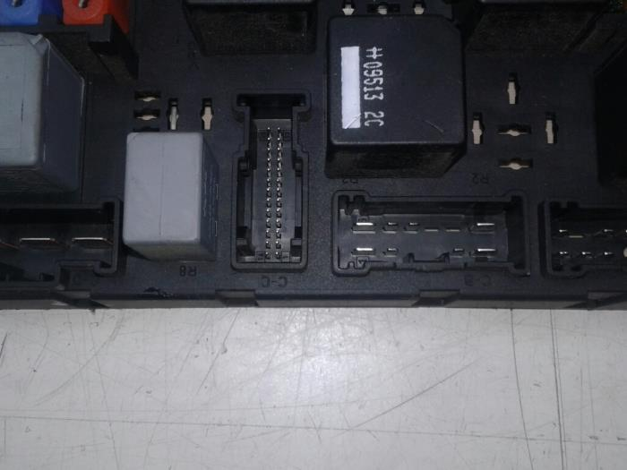 fuse box from a landrover range rover (used)