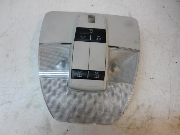 Usag mercedes a klasse eclairage int rieur avant for Interieur mercedes a klasse