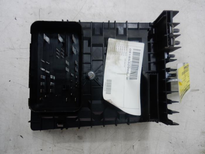 used volkswagen tiguan 5n1 2 1 4 tsi 16v 4motion fuse. Black Bedroom Furniture Sets. Home Design Ideas