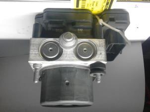gebrauchte opel adam abs pumpe 0265956292 a12xer auto wessel. Black Bedroom Furniture Sets. Home Design Ideas