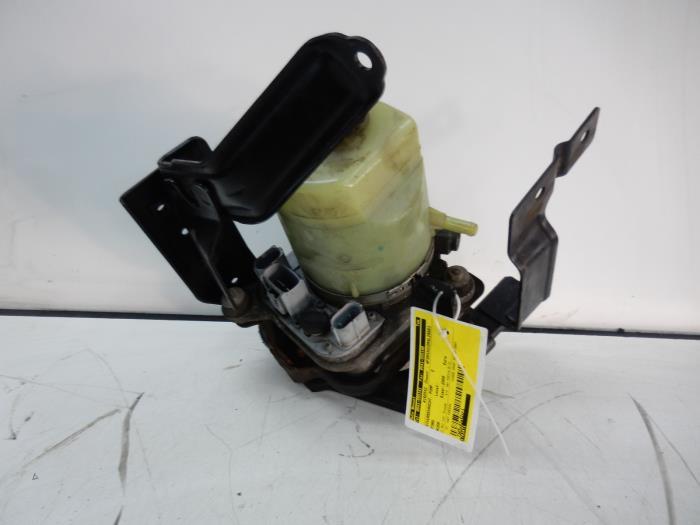gebrauchte ford kuga lenkkraftverst rker pumpe 1709121 d4204t auto wessel. Black Bedroom Furniture Sets. Home Design Ideas