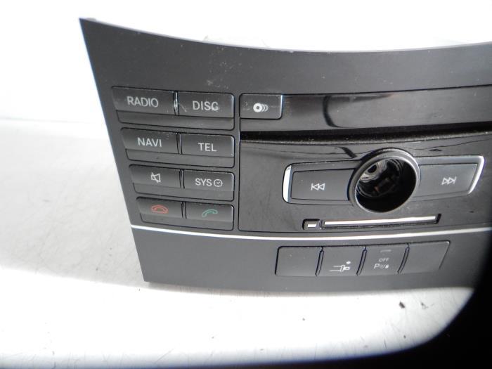 gebrauchte mercedes e klasse navigation system 2129068800 auto wessel. Black Bedroom Furniture Sets. Home Design Ideas